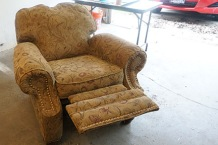 Very comfy recliner (Lane)